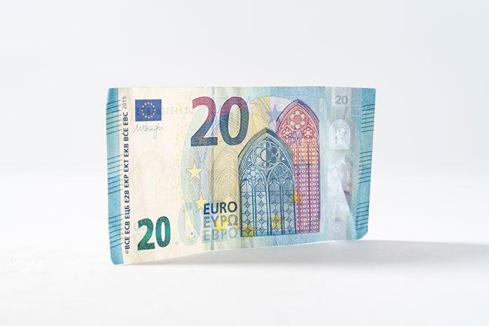 Ile zapłacimy na przelewy zagraniczne?